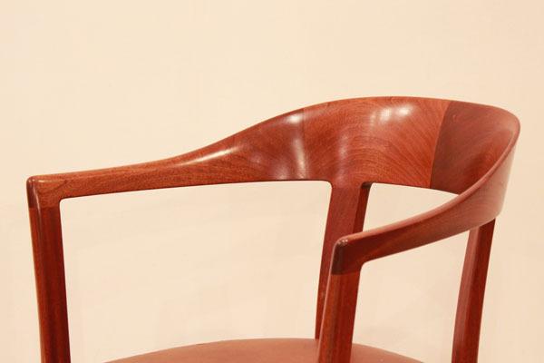 Ole-Wanscher-Armchair-05.jpg