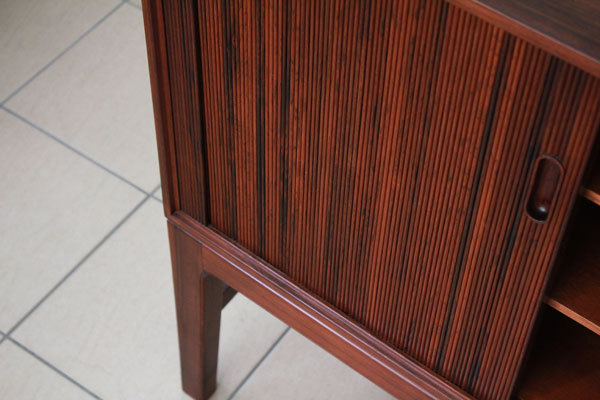Ole-Wanscher-Rosewood-side-board-06.jpg