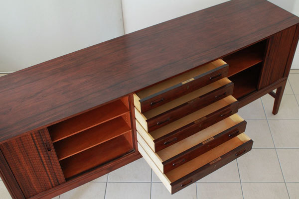 Ole-Wanscher-Rosewood-side-board-07.jpg