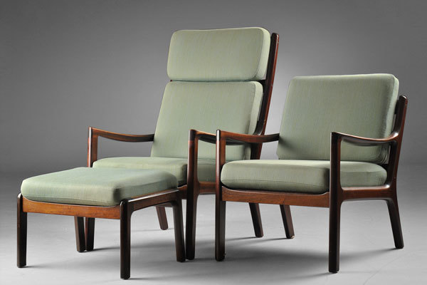 Ole-Wanscher-easy-chairs-and-ottoman-01.jpg