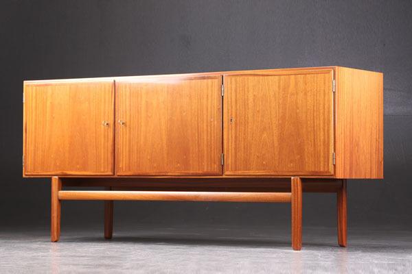 Ole-Wanscher-mahogany-sideboard.jpg