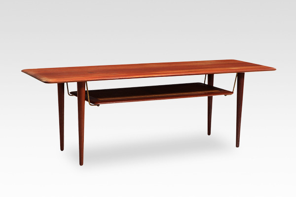 Peter Hvidt & Orla Molgaard-Nielsen  Coffee table.jpg