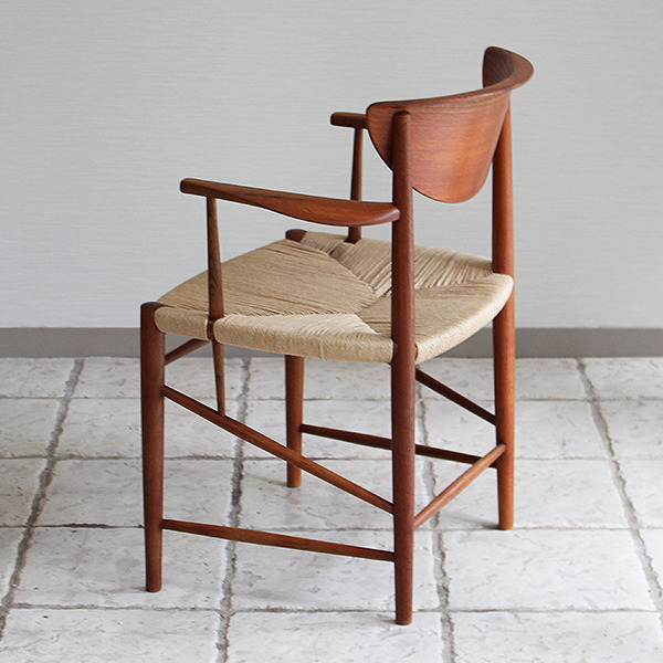 Peter Hvidt & Orla Molgaard  Arm chair model.316  Soborg Mobelfabrik (7).jpg
