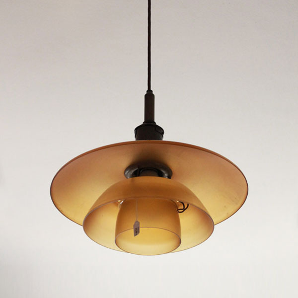 Poul-Henningsen-PH4-glass-pendant-lamp-02.jpg