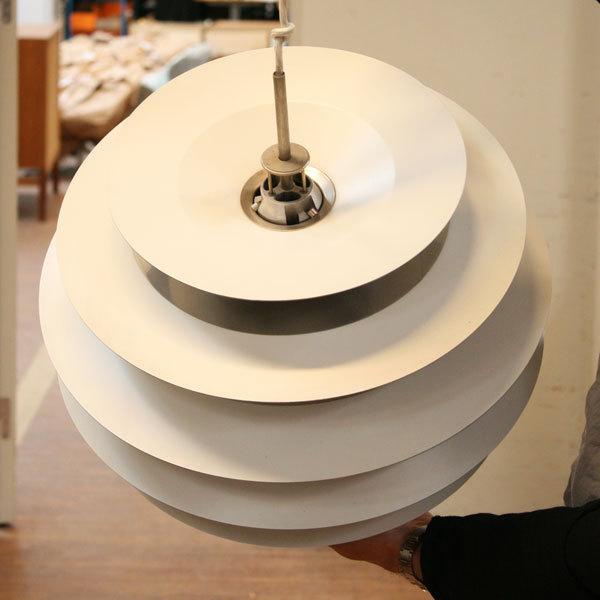 Poul-Henningsen.-Contrast-lamp-06.jpg