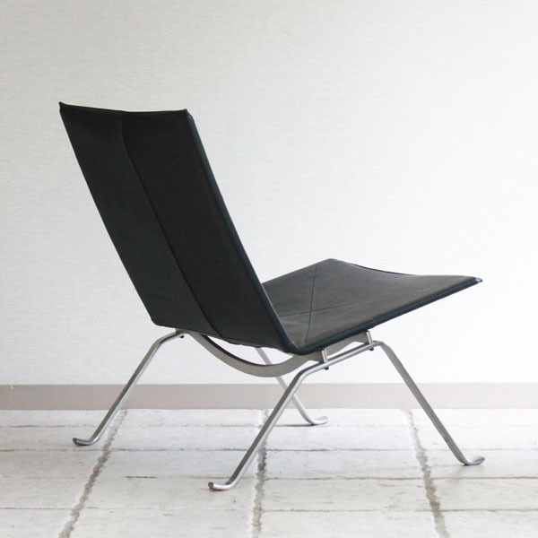 Poul-Kjaerholm-Easy-chair-PK22-04.jpg