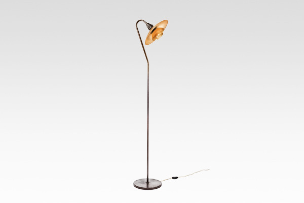 "Poul Henningsen  Floor lamp""""PH-32 rose coloured frosted glass  Louis Poulsen.jpg"