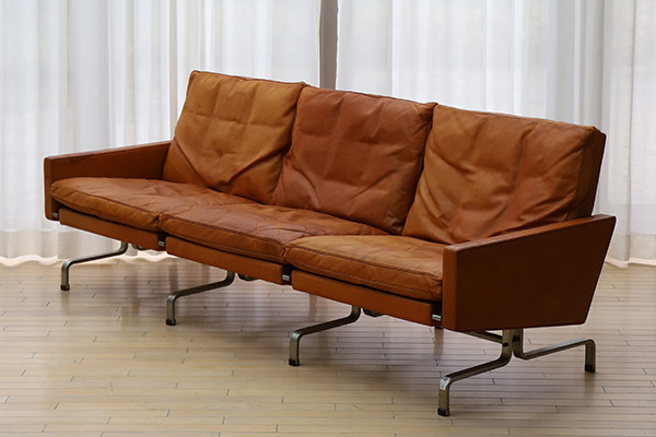 Poul Kjaerholm   Three seater sofa. PK-31  E. Kold Christensen  (1).jpg
