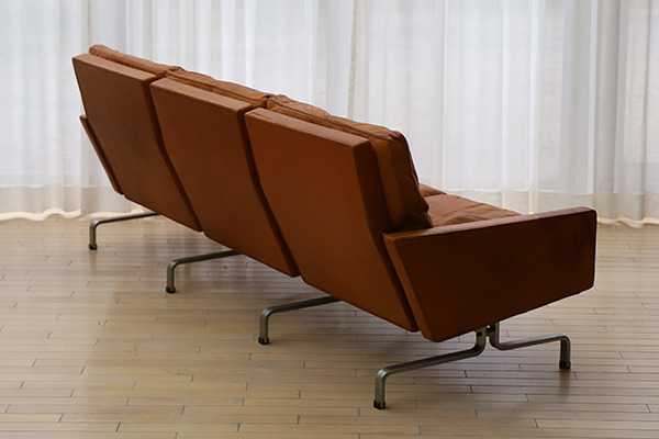 Poul Kjaerholm   Three seater sofa. PK-31  E. Kold Christensen  (5).jpg