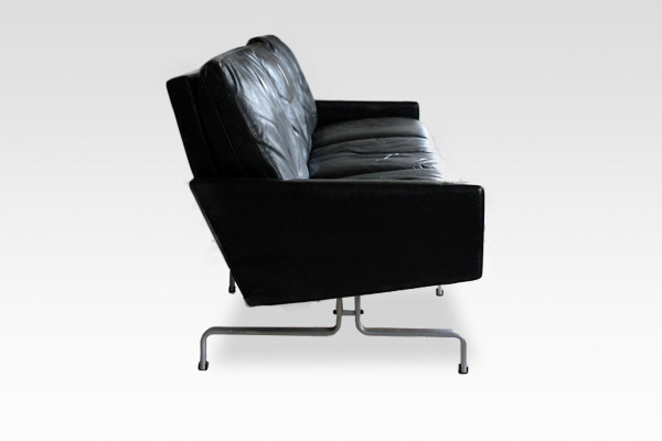 Poul Kjaerholm   Three seater sofa. PK-31  E. Kold Christensen  (6).jpg