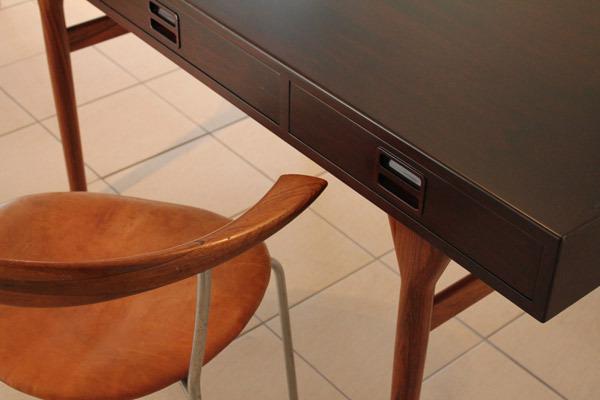 Rose-Desk-02.jpg