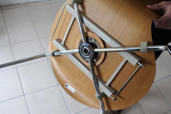 Seven-chair06.jpg