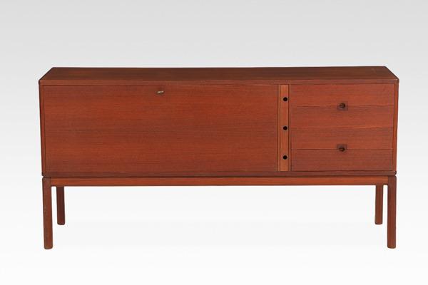 Sideboard of teak, front with four doors (4).jpg