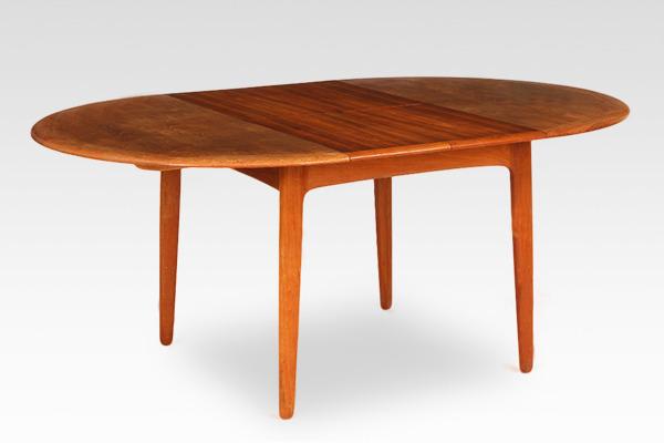 Svend Aage Madsen  Circular dining table  K. Knudsen & Son (1).jpg