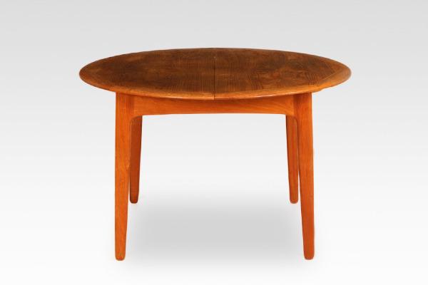 Svend Aage Madsen  Circular dining table  K. Knudsen & Son (2).jpg