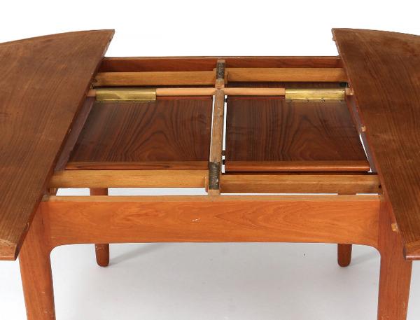 Svend Aage Madsen  Circular dining table  K. Knudsen & Son (5).jpg