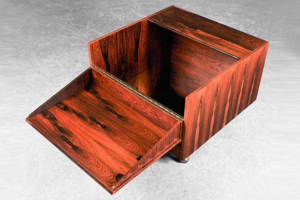 Verner-Panton-Bar-table-02.jpg
