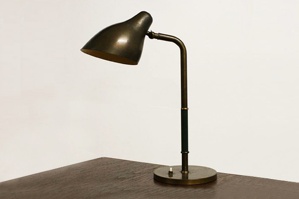 Vilhelm Lauritzen  Table Lamp  Louis Poulsen (2).jpg