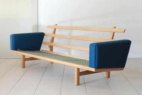 Wegner-3seater-sofa-GE236-05.jpg