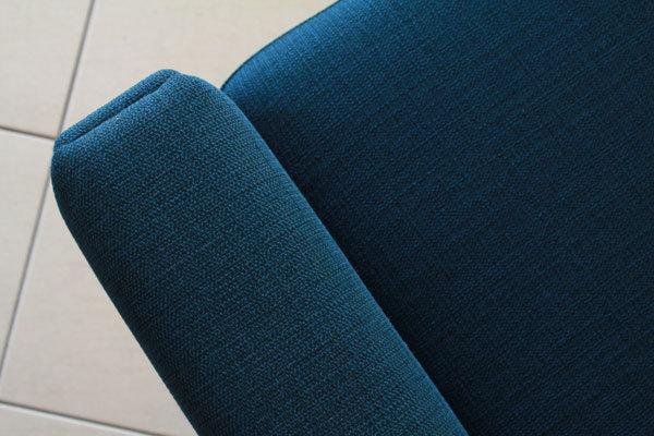 Wegner-3seater-sofa-GE236-08.jpg