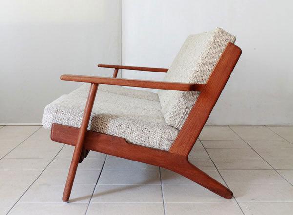 Wegner-3seater-sofa-GE290-Teak-04.jpg