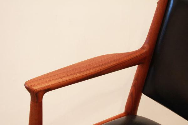 Wegner-Armchair-JH513-08.jpg