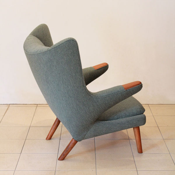 Wegner-Bear-chair-02.jpg