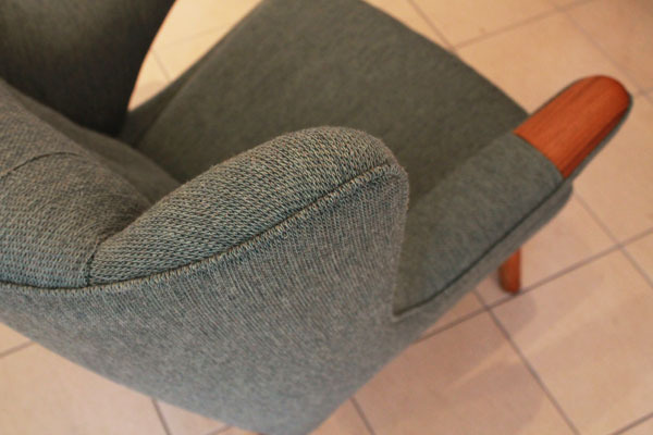 Wegner-Bear-chair-03.jpg