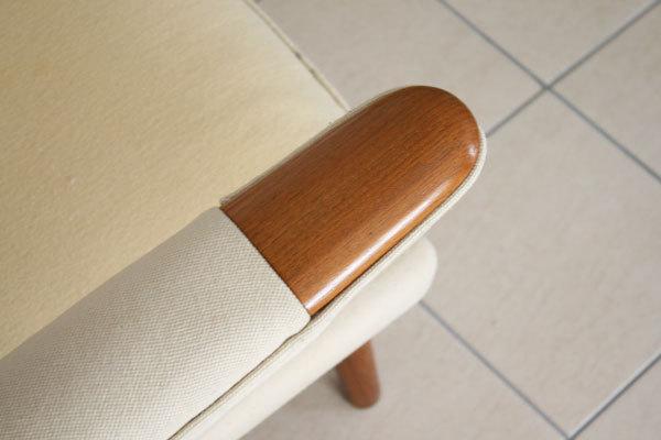 Wegner-Bear-chair-07.jpg
