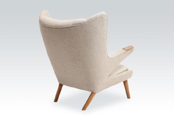 Wegner-Bear-chair-AP19-Teak-and-Oak-01.jpg