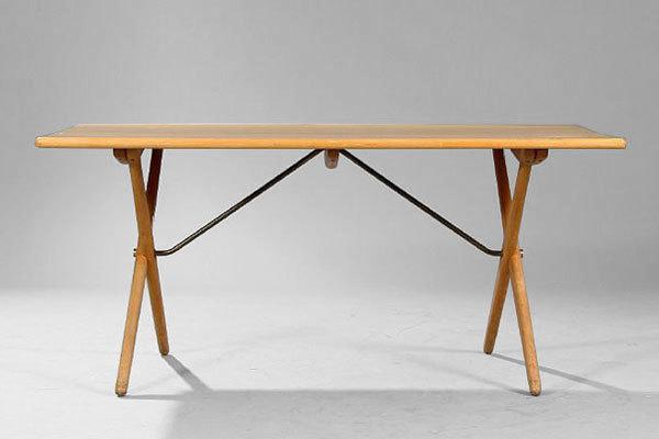 Wegner-Dining-Table-AT303-01.jpg