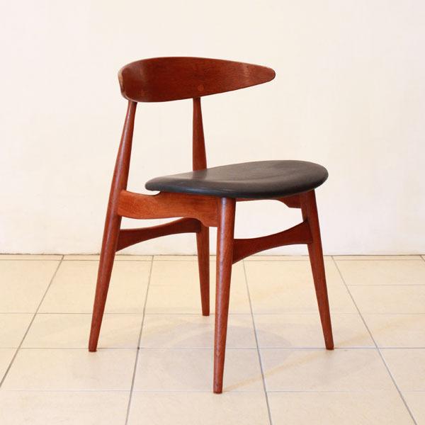 Wegner-Dining-chair-CH33-04.jpg