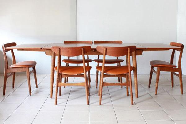 Wegner-Dining-chairs-CH30-07.jpg