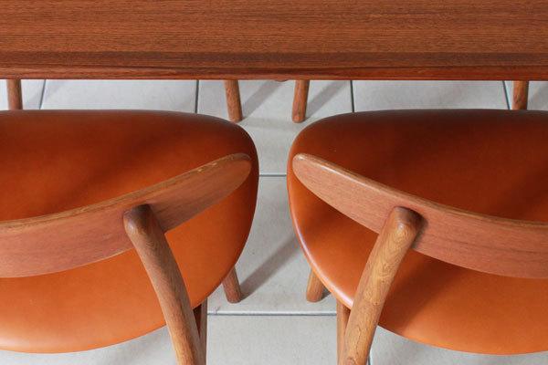 Wegner-Dining-chairs-CH30-08.jpg