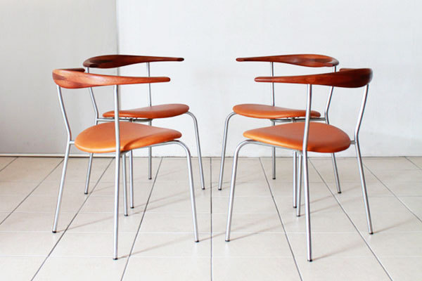 Wegner-Dining-chairs-JH701-02.jpg