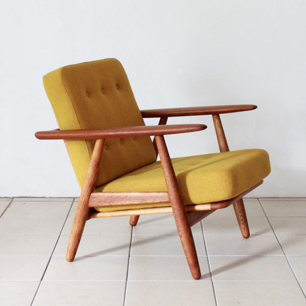 Wegner-Easy-chair-GE240-02.jpg