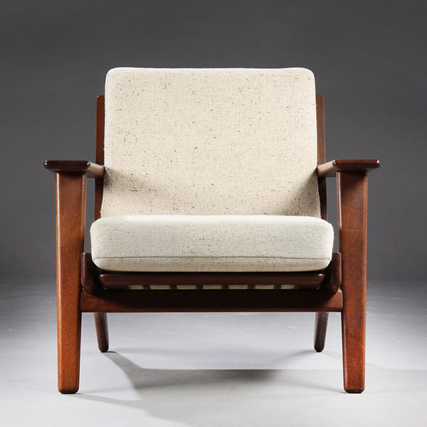 Wegner-Easy-chair-GE290-02.jpg
