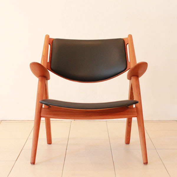 Wegner-Easy-chairCH28-03.jpg