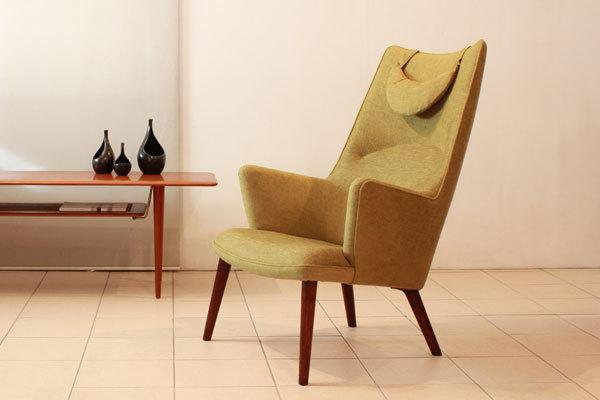 Wegner-Mama-bear-chair-01.jpg