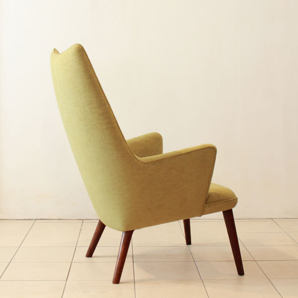 Wegner-Mama-bear-chair-03.jpg