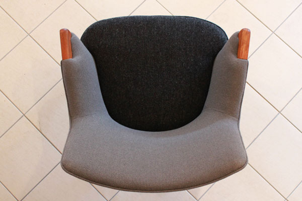 Wegner-Mini-bear-chair-AP20-06.jpg