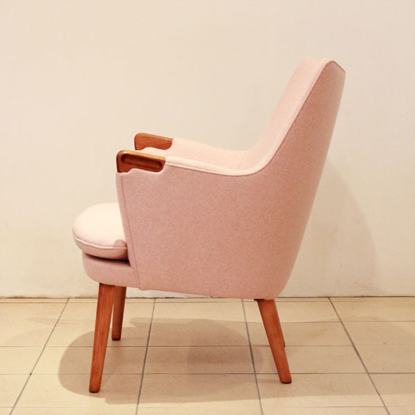 Wegner-Minibear-chair-02.jpg