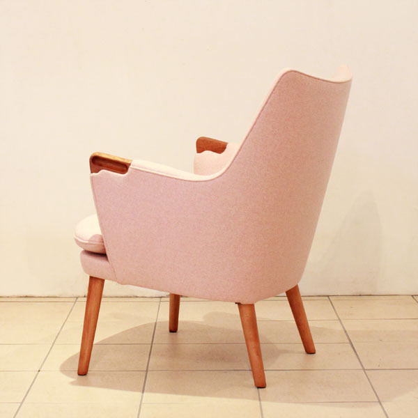 Wegner-Minibear-chair-03.jpg