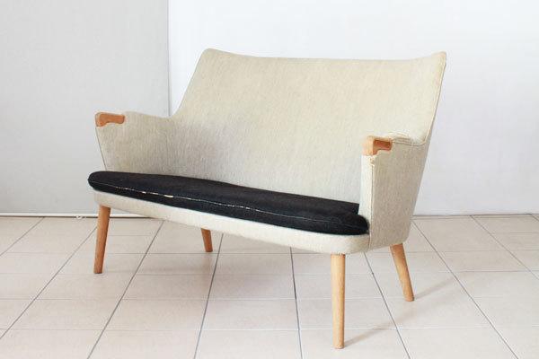 Wegner-Minibear-chair-Settee-01.jpg