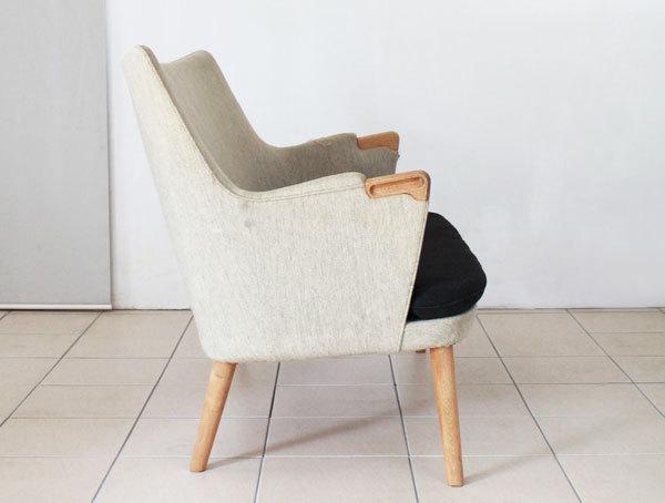 Wegner-Minibear-chair-Settee-02.jpg