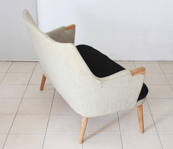 Wegner-Minibear-chair-Settee-03.jpg