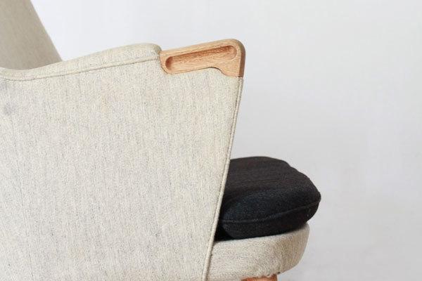 Wegner-Minibear-chair-Settee-04.jpg