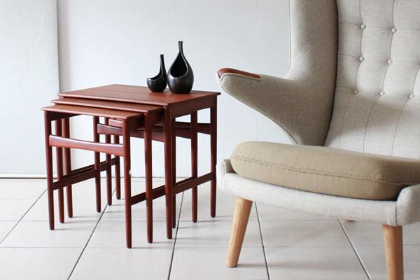 Wegner-Nest-table-Teak-01.jpg