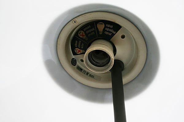 Wegner-Opala-desk-lamp-07.jpg