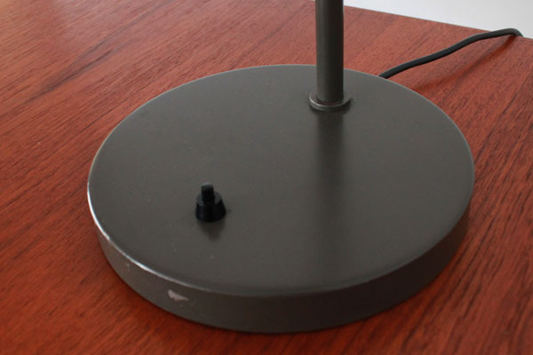 Wegner-Opala-desk-lamp-A-05.jpg